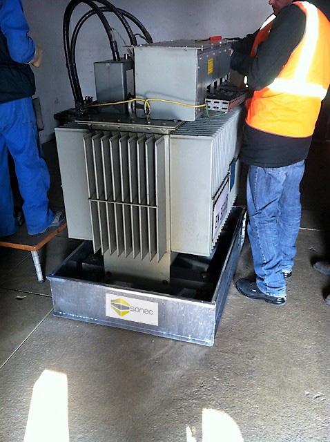 Exemple-de-bac-de-rétention-pour-transformateur-SONEC-dans-poste-ENEDIS-conforme-à-la-NFC13200